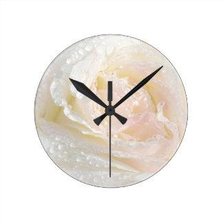 Dewy Peace Rpse Clock