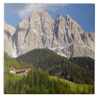 Di Funes, Villnosstal, dolomías, Italia de Val Teja