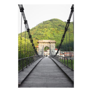Di Lucca, Toscana, Italia - un puente viejo de Bag Fotografías