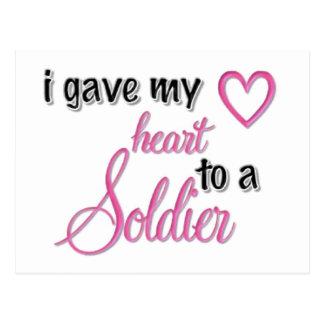 """Di mi corazón a un soldado "" Tarjeta Postal"