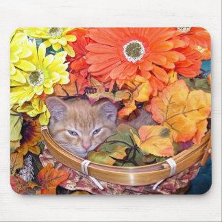 Di Milo, gato lindo del gatito del Tabby, flores d Mouse Pad