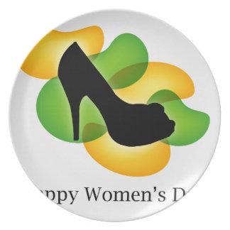 Día 8 de marzo para mujer feliz plato de cena