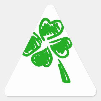 Día afortunado verde de St Patrick del encanto Pegatinas Trianguladas