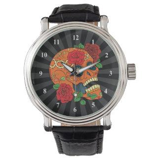 Día anaranjado del tatuaje de rosas rojos del reloj de mano