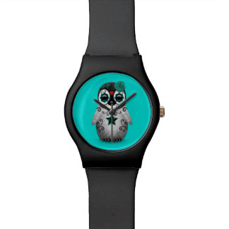 Día azul del pingüino muerto del cráneo del azúcar relojes de mano