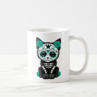 Día azul del trullo lindo del gato muerto del taza