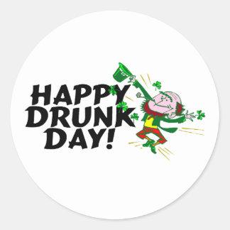 Día bebido feliz del St Patricks del día Etiquetas Redondas