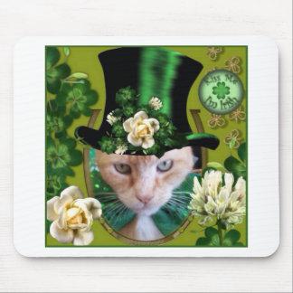 Día Claude del St Patricks Mouse Pads