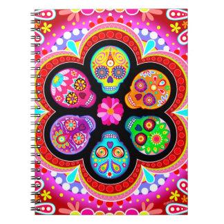 Día colorido del cuaderno muerto de los cráneos de