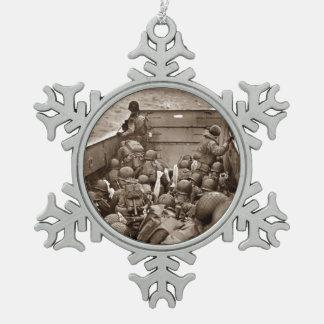 Día D LCI que entrega la infantería a la playa Adorno De Peltre En Forma De Copo De Nieve