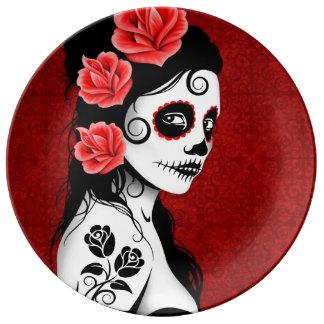 Día de color rojo oscuro del chica muerto del plato de cerámica