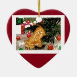 Día de fiesta anaranjado del árbol de navidad del adorno de cerámica en forma de corazón