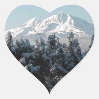 Día de fiesta de la cascada pegatina en forma de corazón