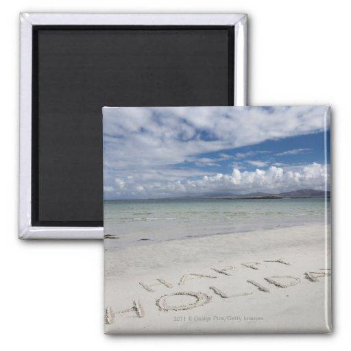 Día de fiesta feliz escrito en la playa de Eilogar Imanes Para Frigoríficos