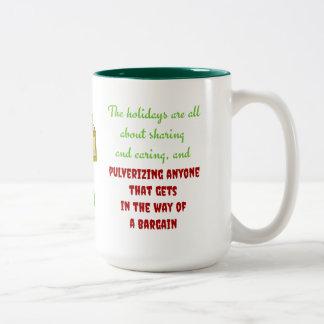 Día de fiesta que comparte y que cuida taza de café de dos colores