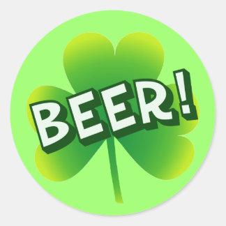 Día de la cerveza del santo etiquetas redondas