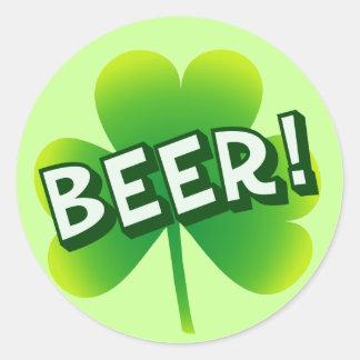 Día de la cerveza del santo pegatinas redondas