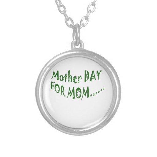 Día de la madre para la mamá beHappy junto Collares