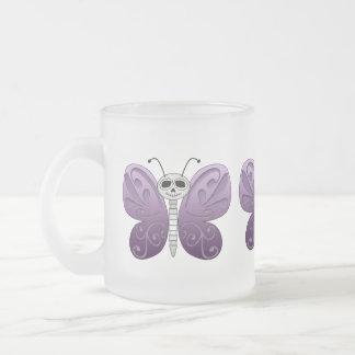 Día de la mariposa del diseño muerto taza de cristal