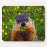 Día de la marmota feliz que come la flor tapetes de ratón