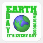 Día de la Tierra es cada día Calcomanías Cuadradas