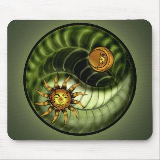 Día de la Tierra Yin Yang Mousepad