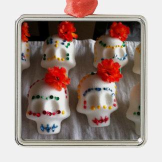 Día de los cráneos muertos del azúcar ornamente de reyes
