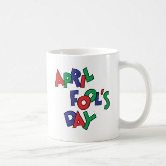 Día de los inocentes taza básica blanca