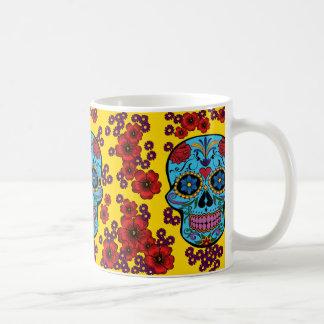 Día de los muertos con las flores taza de café