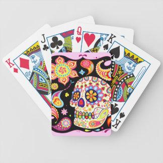 Día de los naipes muertos del cráneo del azúcar baraja de cartas