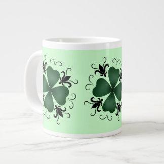 Día de lujo del St Patricks del trébol del Taza Grande