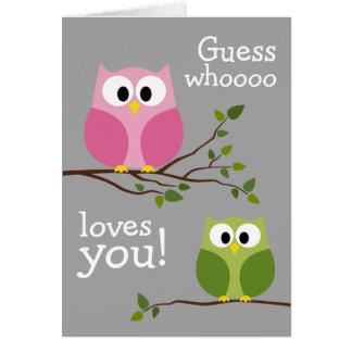 Día de madres - búhos lindos - Whooo le ama Tarjeta De Felicitación
