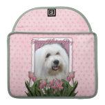 Día de madres - tulipanes rosados - algodón de Tul Funda Macbook Pro