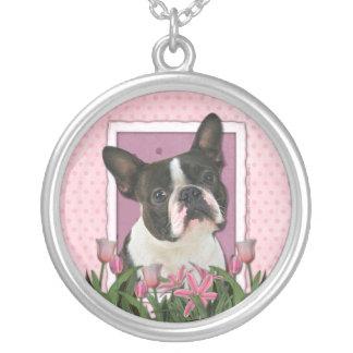 Día de madres - tulipanes rosados - Boston Terrier Colgante Redondo