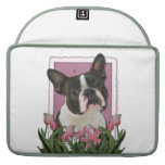 Día de madres - tulipanes rosados - Boston Terrier Fundas Para Macbooks