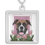 Día de madres - tulipanes rosados - boxeador - Vin Colgantes Personalizados