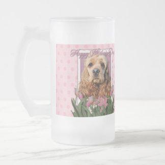 Día de madres - tulipanes rosados - cocker spaniel taza de cristal