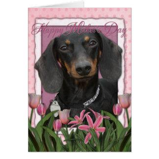 Día de madres - tulipanes rosados - Dachshund - Tarjeta De Felicitación