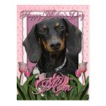 Día de madres - tulipanes rosados - Dachshund - Postal
