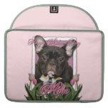 Día de madres - tulipanes rosados - Frenchie - tru Fundas Macbook Pro