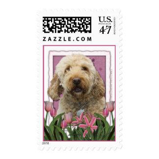Día de madres - tulipanes rosados - GoldenDoodle Sello Postal