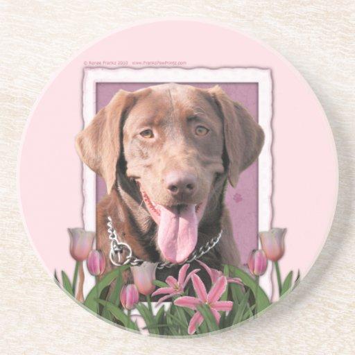 Día de madres - tulipanes rosados - Labrador - cho Posavasos Personalizados