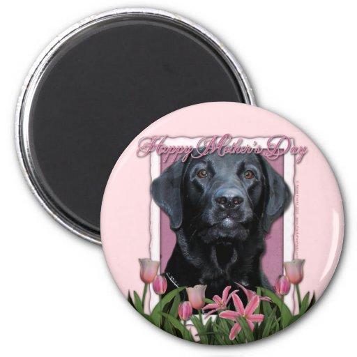 Día de madres - tulipanes rosados - Labrador - ind Imán Redondo 5 Cm