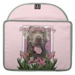 Día de madres - tulipanes rosados - mastín - fisgó funda macbook pro
