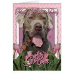 Día de madres - tulipanes rosados - mastín - fisgó felicitacion