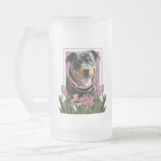 Día de madres - tulipanes rosados - Rottweiler - Taza De Cristal