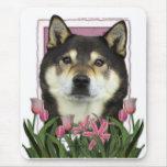 Día de madres - tulipanes rosados - Shiba Inu - Ya Alfombrillas De Ratón