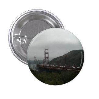 Día de niebla en puente Golden Gate Pin Redondo De 1 Pulgada