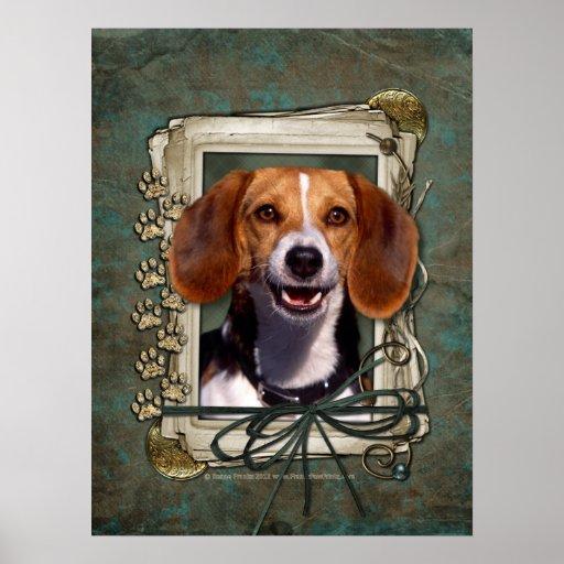 Día de padres - patas de piedra - beagle póster