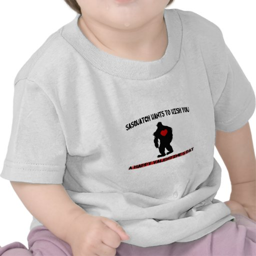 Día de San Valentín de Sasquatch Camiseta